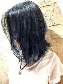 【西新の美容室リエット】濃いめのダークブルー☆ミディ
