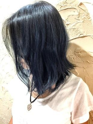 【西新の美容室リエット】濃いめのダークブルー☆ミディのサムネイル